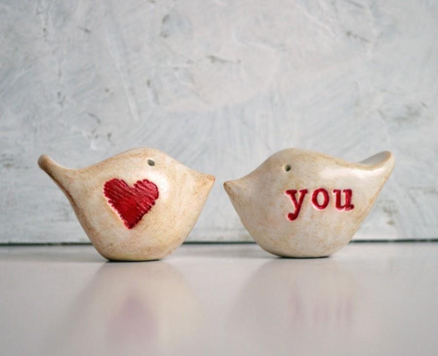 """Mariage - Valentines Day Wedding cake toppers ... Love birds ... """"heart"""" you"""