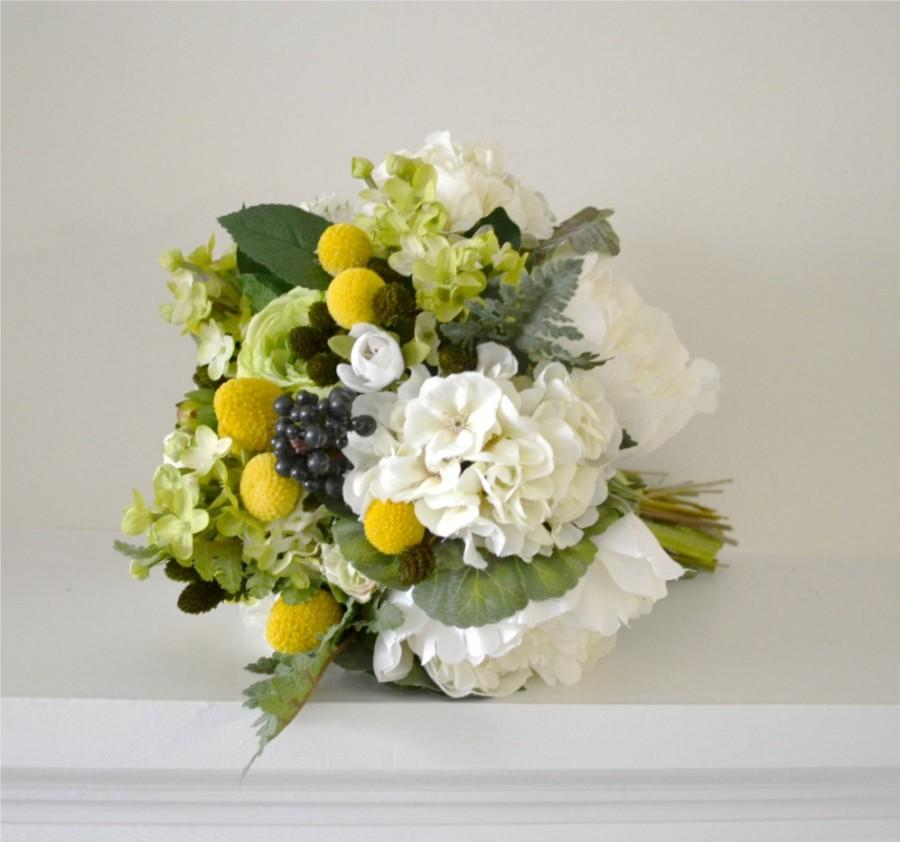 زفاف - Bridal Bouquet - billy buttons, natural bouquet, woodland bouquet, nature bouquet, nature wedding, outdoor wedding