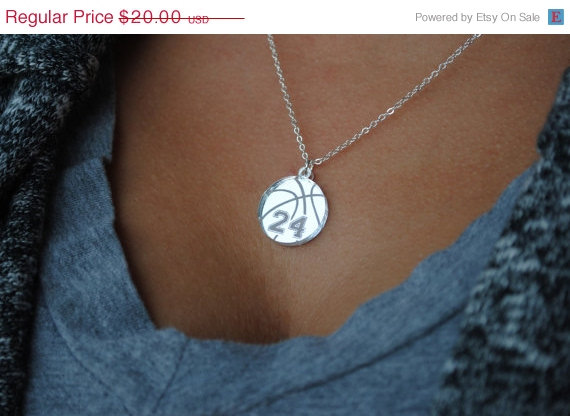 Mariage - Custom Basketball Necklace with any number mirrored acrylic by Chicago Factory- (S106)