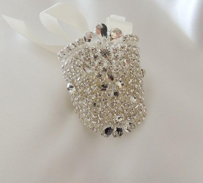 Mariage - Bridal Bouquet Jewelry Crystals Beaded Embellishment Wrap