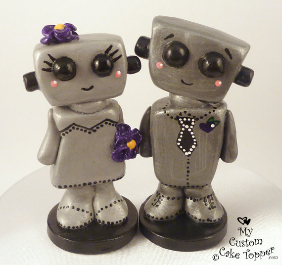 Mariage - Love Bots Bride and Groom Customizable Wedding Cake Topper Kawaii