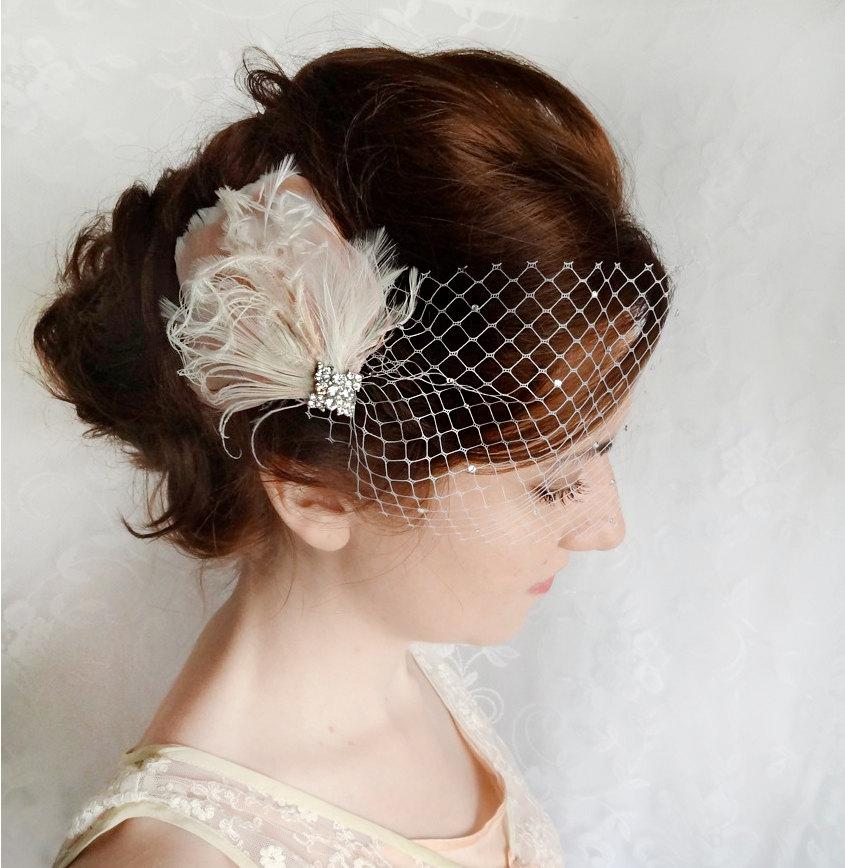 Mariage - feather hair clip, bridal hairpiece, wedding head piece, feather fascinator, with crystals, feather hairpiece, bridal head piece, pink ivory