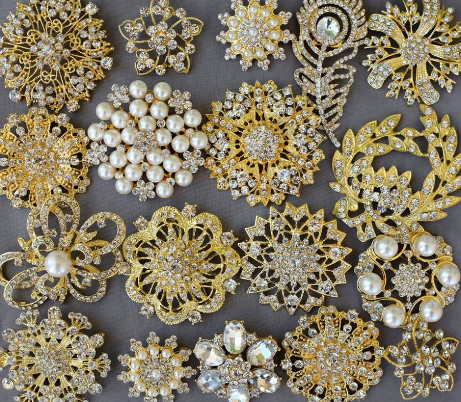 Hochzeit - 10 Rhinestone Brooch Embellishment Gold X LARGE Pearl Crystal Wedding Bridal Brooch Bouquet Invitation Cake Decoration BR995