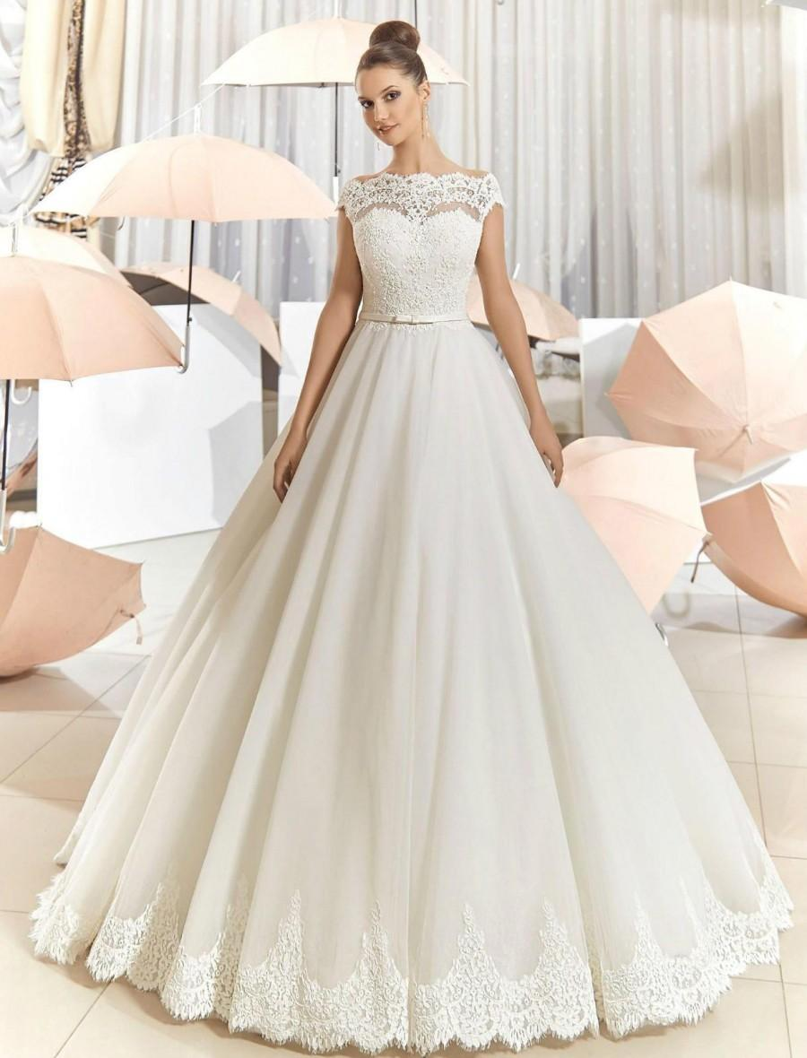 New Arrival Sheer Lace Off Shoulder Wedding Dresses A Line Tulle