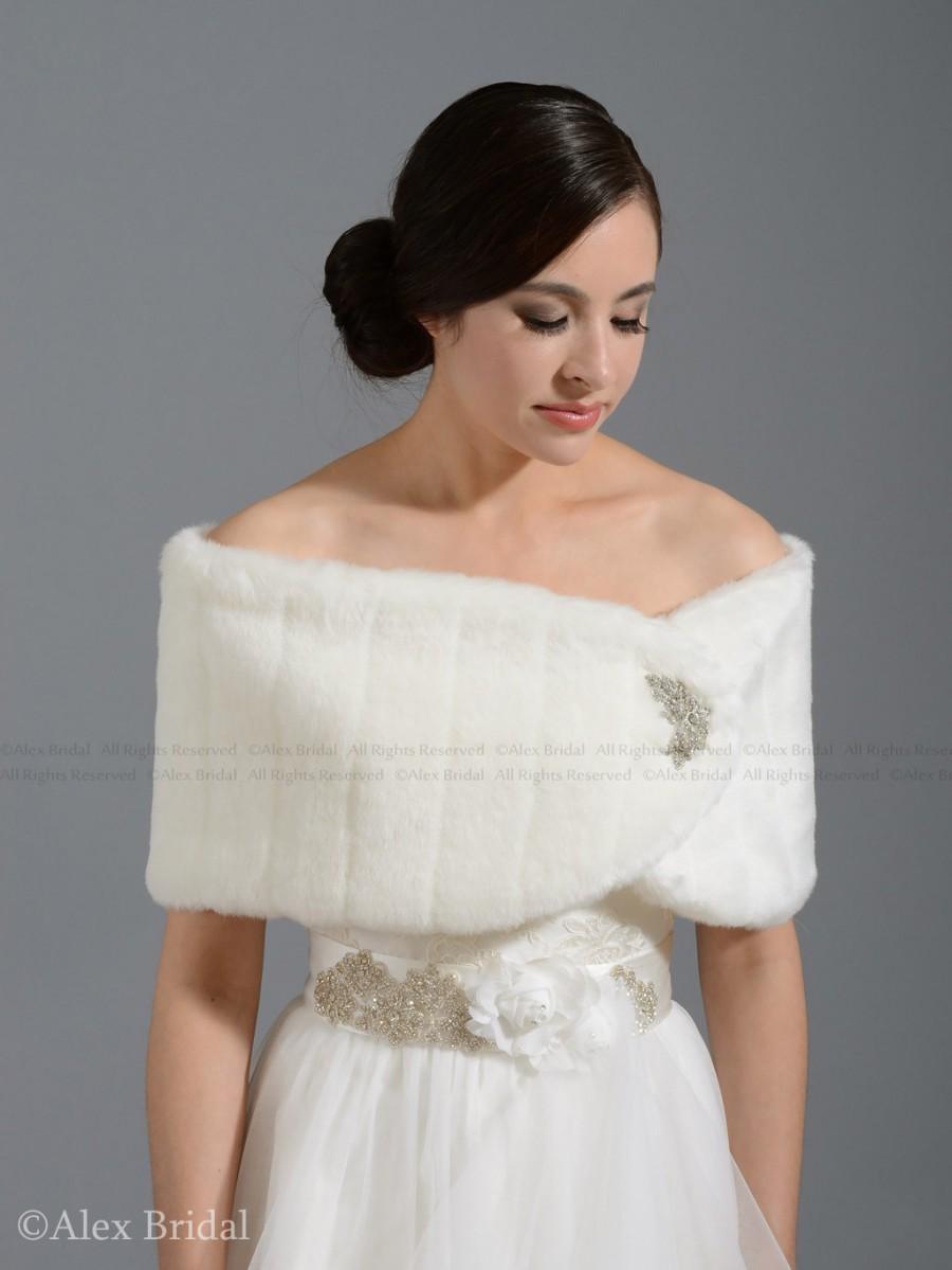 Свадьба - Off-White faux fur wrap bridal shrug stole shawl FW006-OffWhite