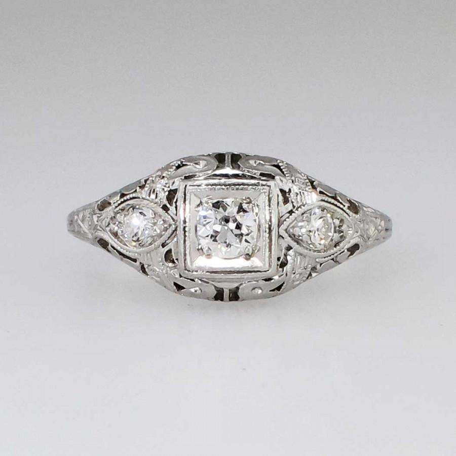 Elegant 22ct T w Art Deco Three Stone Old European Cut Diamond Filigree Eng