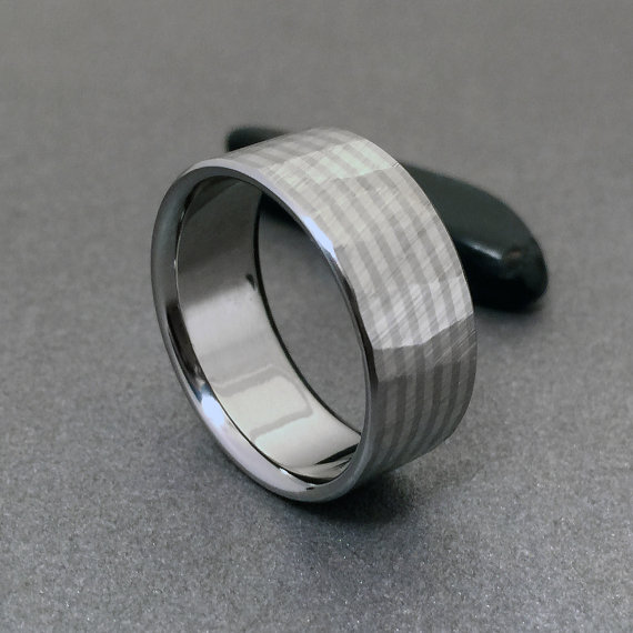 60976398c6571 Titanium White Gold Ring, Wood Grain Sequoia, 18k Gold Band ...