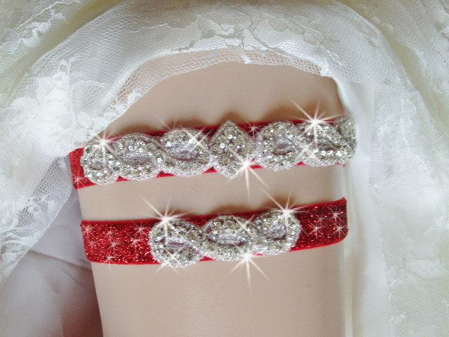 Свадьба - Christmas Wedding Garter Set, Red Glitter Wedding Garter, Red Bridal Garter, Rhinestone Garter, Holiday Wedding Garder, Bling Wedding Garter