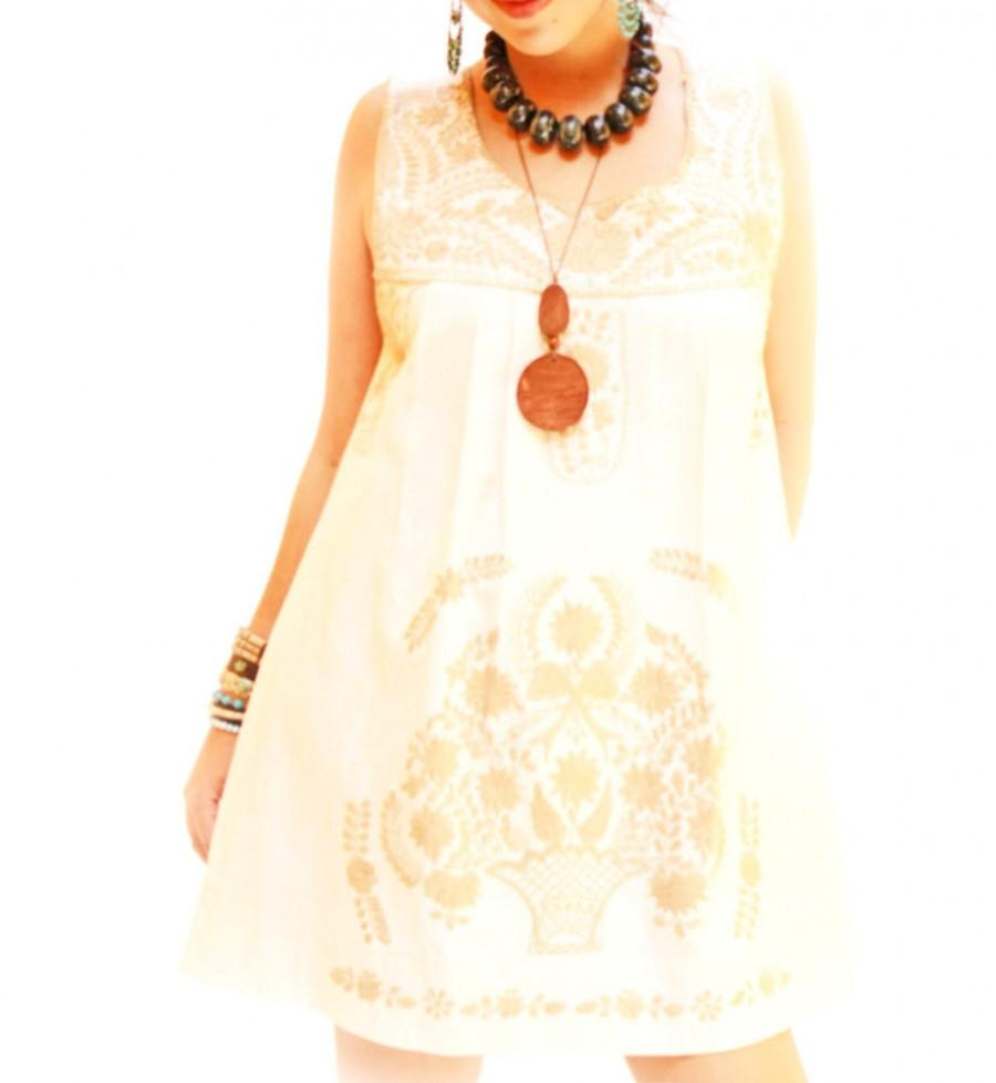 Свадьба - Old Gold Mexican dress embroidered M beautiful romantic ethnic sleeveless dress crochet handmade artisanal