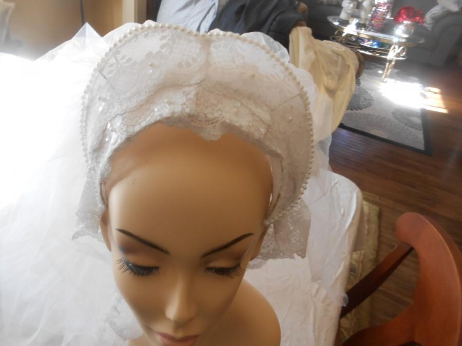 "Свадьба - AA26-Vintage 1970's long bridal veil with wonderful lace trim and 2 layers of veiling -62"" long or over 5 feet-chapel length- excellent cond"