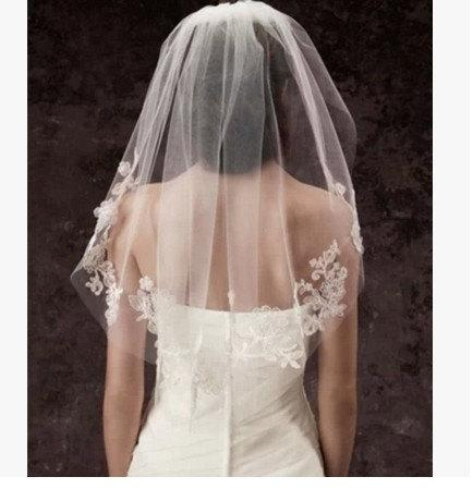 Hochzeit - Beautiful wedding lace veil Bridal veil white beaded veil short veil 1 tier romantic crystal bead ivory veil