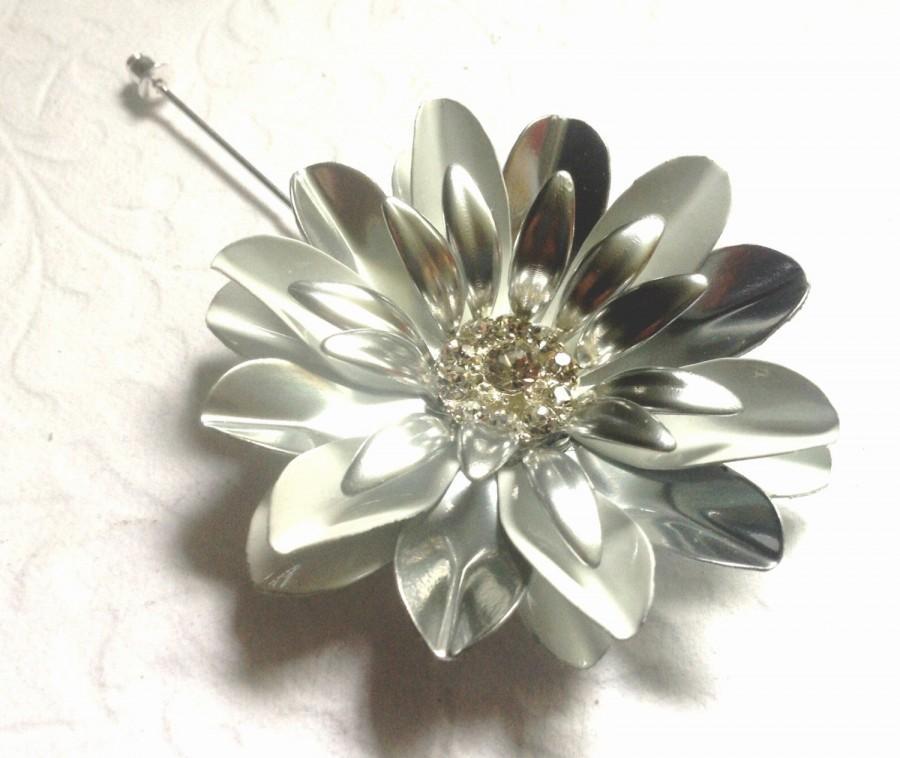 Wedding - Silver White Enamel Flower Lapel Pin Buttonhole Silver Metal Flower Lapel Pin Groom Silver Boutonniere Men's Lapel Pin White Wedding Corsage
