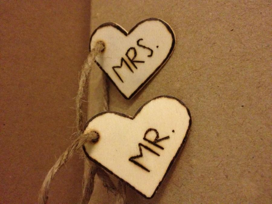 Mariage - Mr & Mrs Heart tags, hand engraved, twine