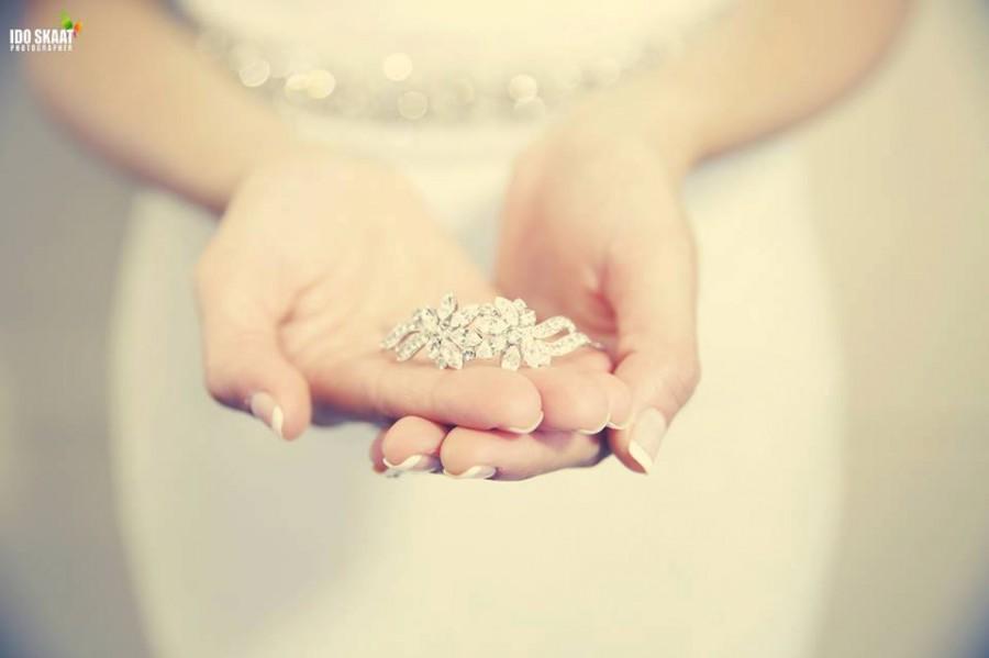Mariage - Wedding Bracelet, Bridal Jewelry, Bridal Crystal bracelet, Swarovski bracelet, Cuff Bracelet, Vintage Wrap around bracelet, Wedding Bracelet