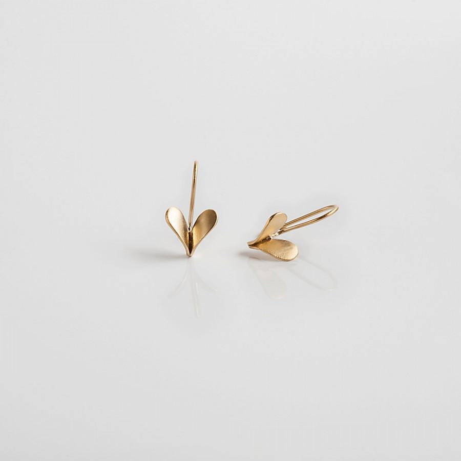 Mariage - Gold wedding Earrings - 18k Gold Heart Earrings, Gold Dangle Earrings
