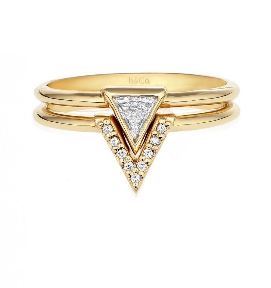 Hochzeit - 0.25ct Trillion Diamond Engagement Ring Set