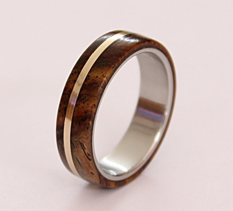 زفاف - Women's titanium ring with cocobolo wood and bronze pinstripe