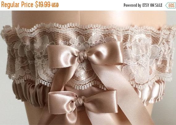 Mariage - Tan Satin and Lace Wedding Garter Set, Bridal Garter, Prom Garter, Neutral Lace Garter, Keepsake Garter, Weddings, Bridal Accessories