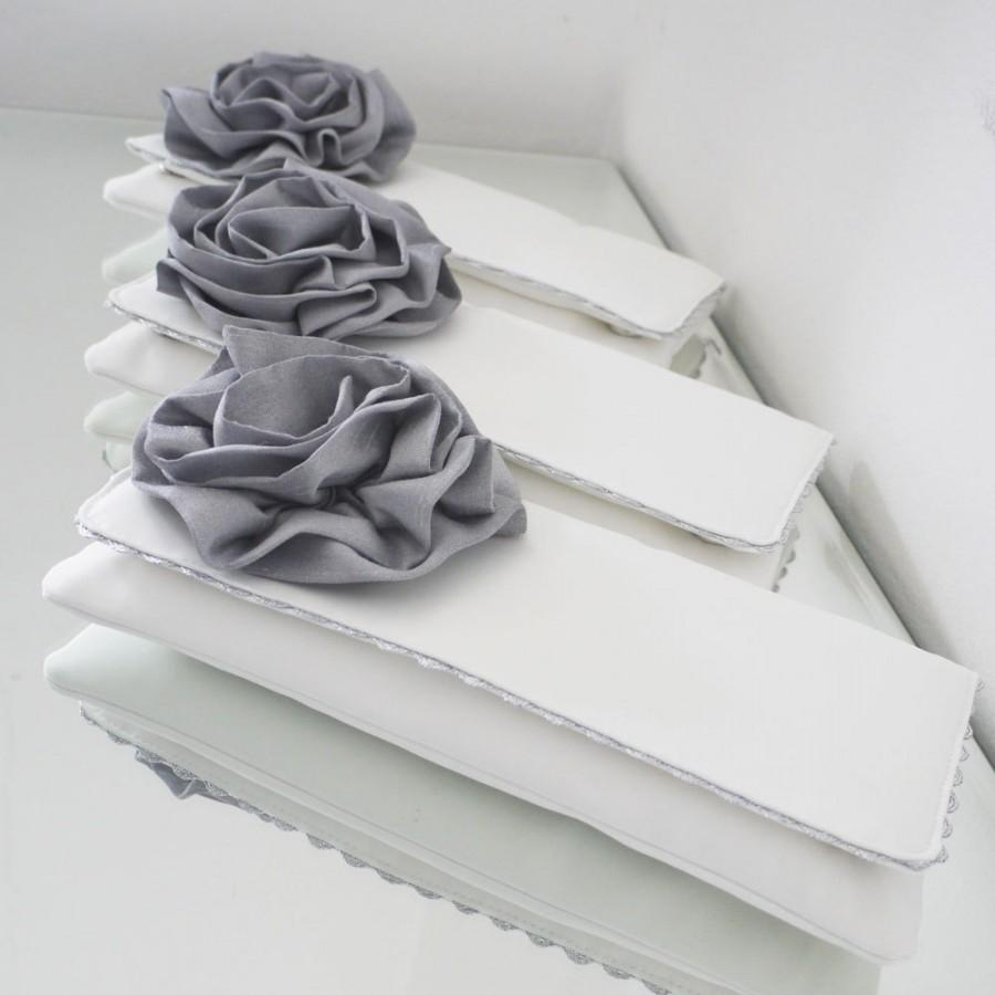 Mariage - Bridesmaids clutches and gifts custom made in the colour scheme of your choice