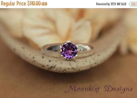 زفاف - ON SALE Purple Amethyst Statement Solitaire in Sterling - Silver Bold Artisan Amethyst Engagement Ring or Promise Ring - February Birthstone
