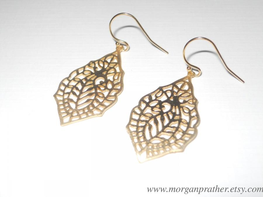 Свадьба - Paisley Pendant Dangle Earrings in Gold