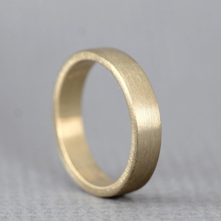 زفاف - Yellow Gold Men's Wedding Band - 14K Yellow Gold - Matte Finish - 4 mm wide - Mens Wedding Ring - Made in Canada - Commitment Ring