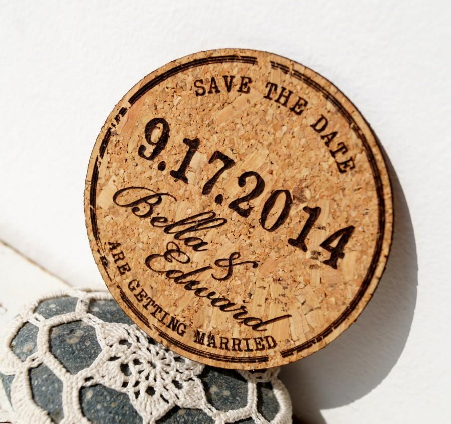 Свадьба - Rustic wedding save the dates, cork save the date cards, personalized laser engraved - Choose magnets or coasters