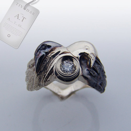 زفاف - Black raven and a white dove -  gothic silver ring, anatomical engagement ring / Steampunk / Biomechanics / Giger /