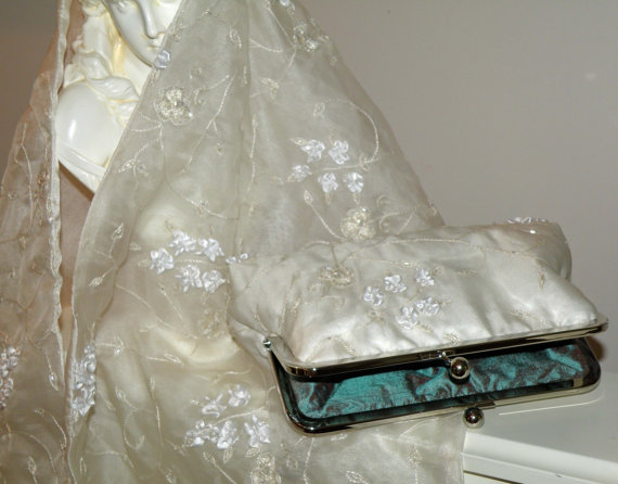 Mariage - Embroidered Silk Organza Clutch/Purse/Bag..Hands Free Bridal/Wedding..off white Floral/Beads..See Shrug/Wrap/Shawl...Evening Party