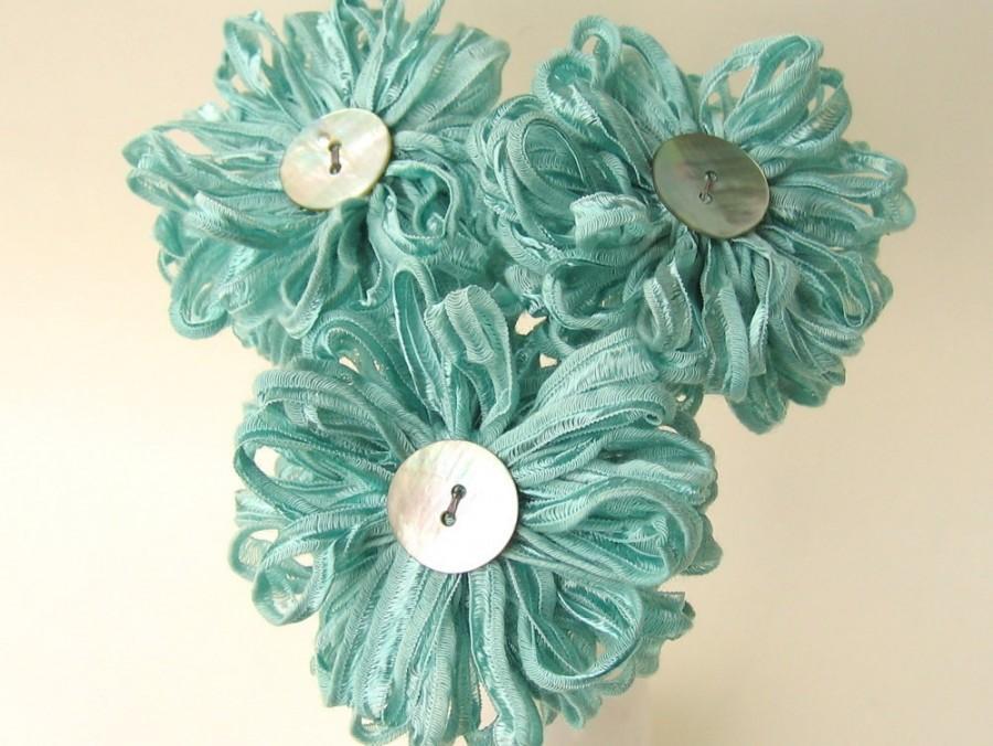 Mariage - 3 Seafoam Ribbon Flowers, handmade fabric bouquet, centerpiece, hostess gift
