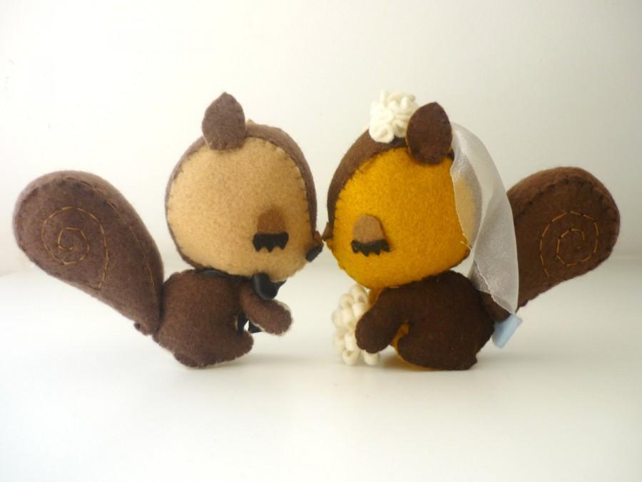 Hochzeit - Squirrels Sweet Love wedding cake topper- Custom wedding cake topper- DIY wedding- bohemian wedding- sweet, romantic, vintage  wedding