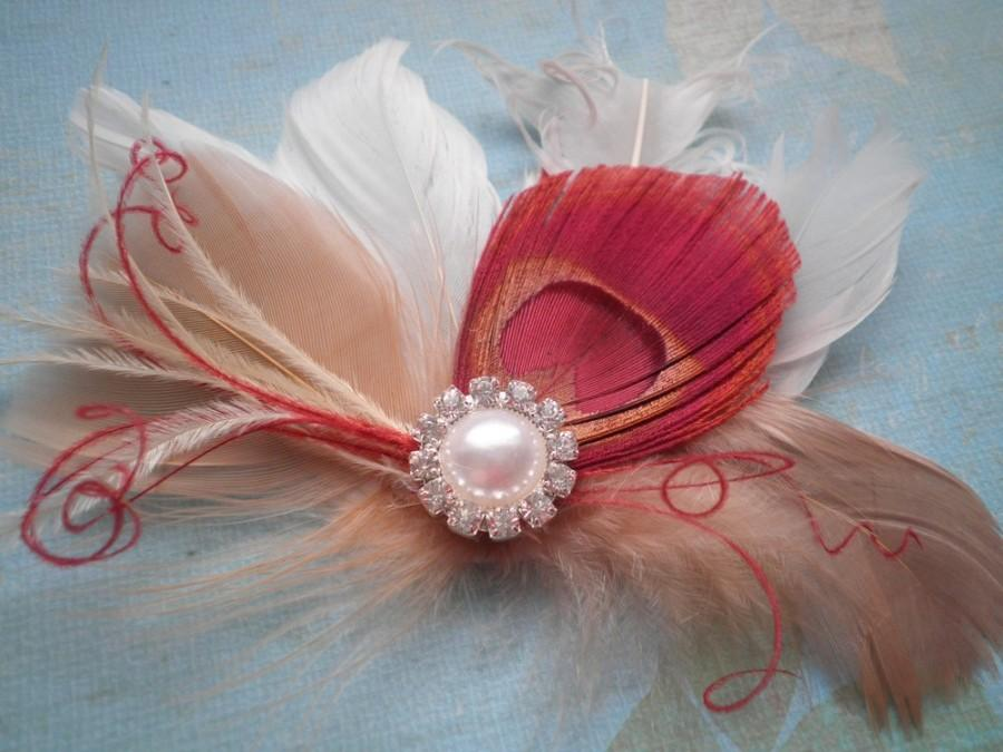 Свадьба - Peacock Wedding Hair Accessory, Bridal Facinator Head Piece, Feather hair clips, Peacock, Red, Ivory, beige, white, bridesmaids - LOVELY RED
