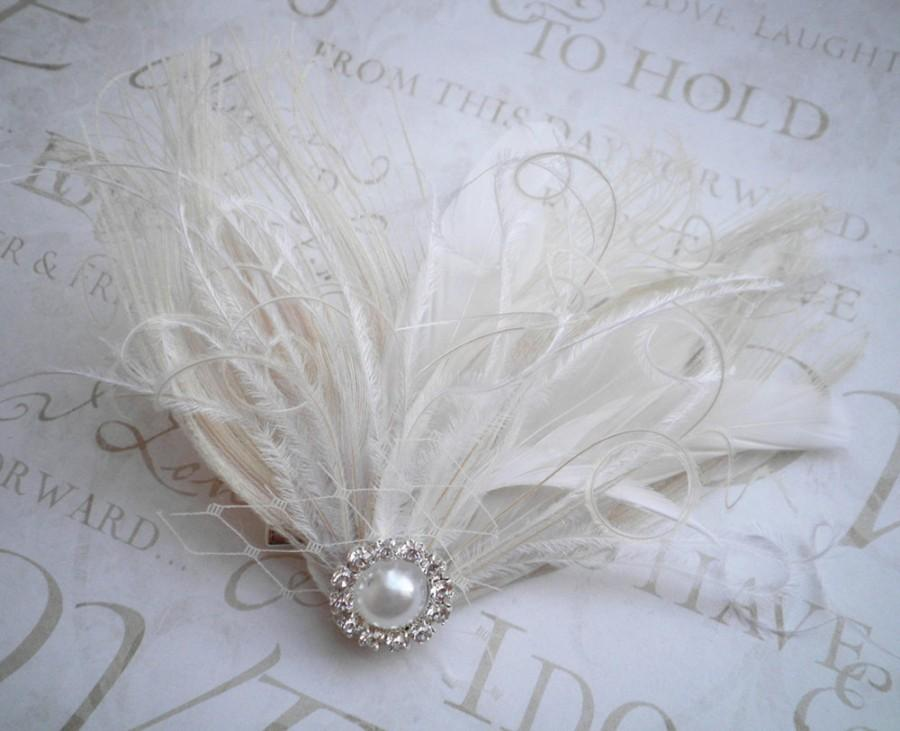 Mariage - Ivory Wedding hair accessory, Bridal, veil, Feather, Feathered, Fascinators, Accessories, wedding, Bride, Peacock - IVORY WEDDING BELLS