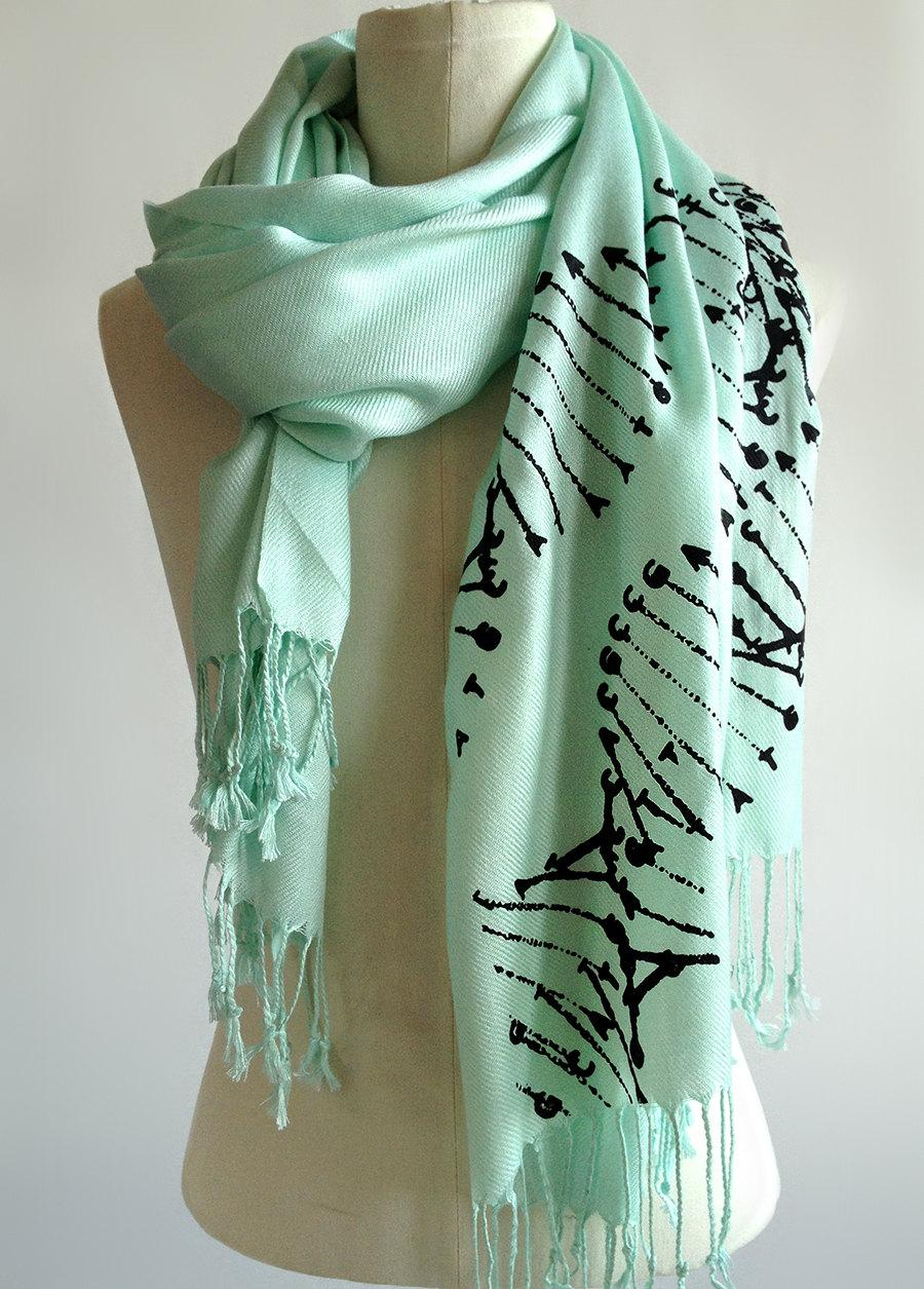 Mariage - DNA scarf. DNA double helix silkscreened pashmina. Your choice of mint scarf & more. Science teacher, genetics, medical student gift.