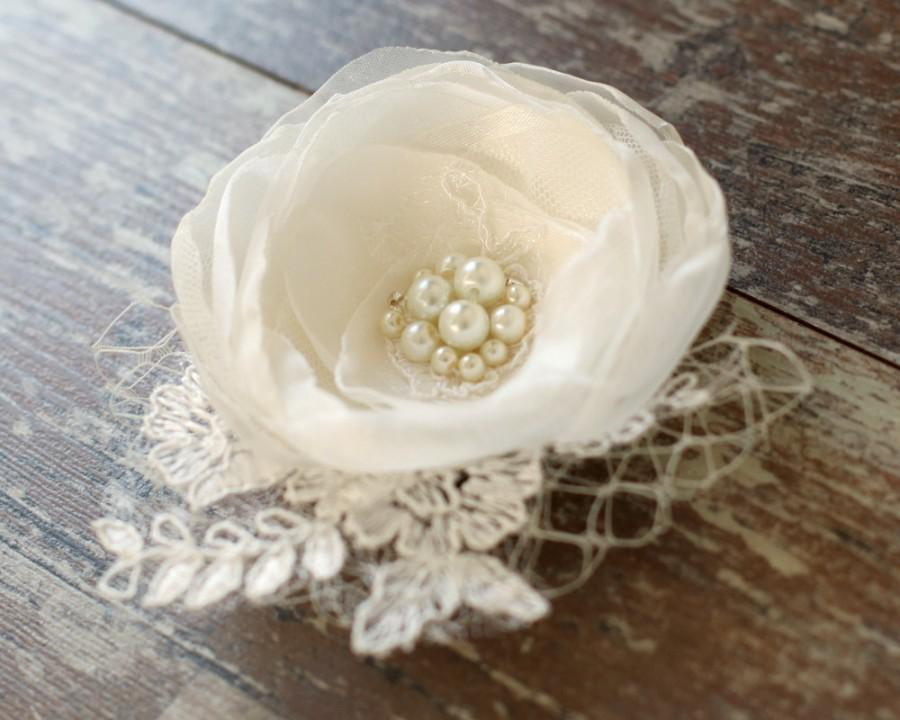Mariage - Ivory flower, bridal hair flower, lace flower,hair clip, weddings accessories,bridal hair fascinator, headpiece, pearls, rhinestones.