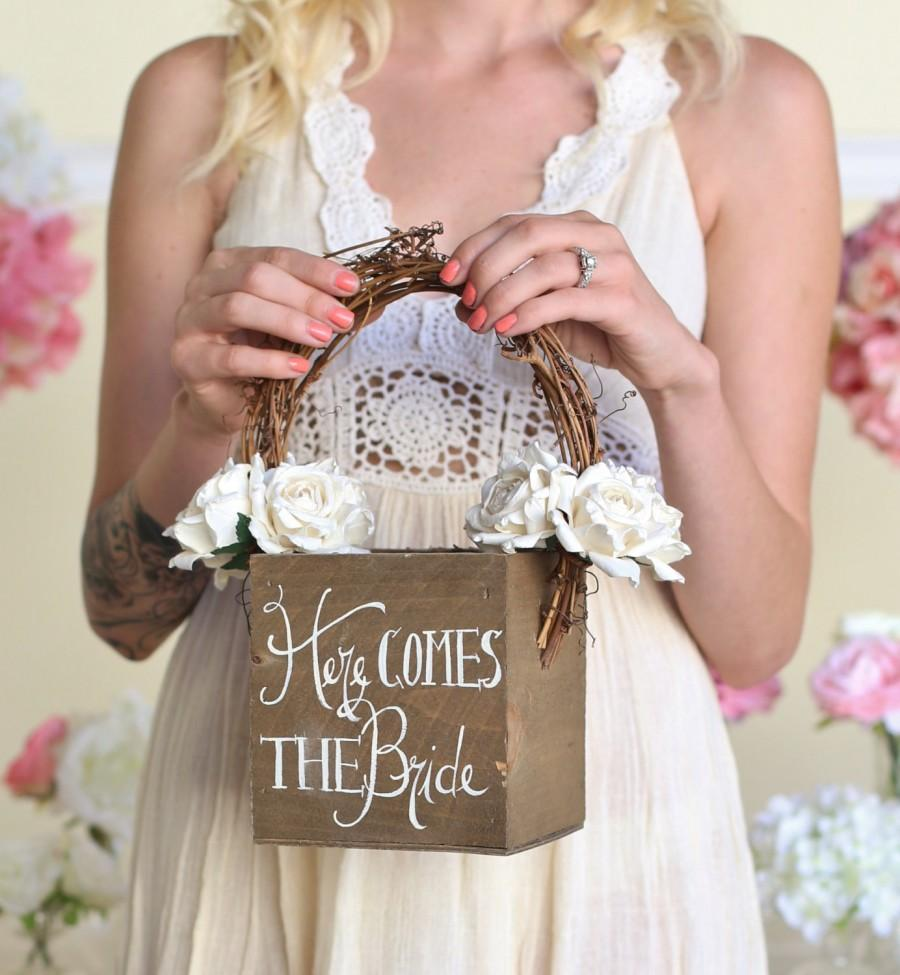 Mariage - Here Comes The Bride Rustic Flower Girl Basket (Item Number MMHDSR10029)