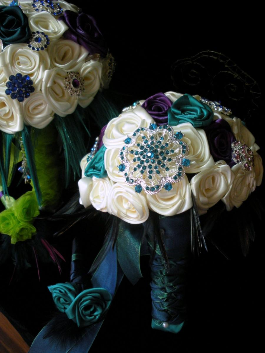 Mariage - Wedding Bridal Party Peacock Color Brooch Feather Bouquet