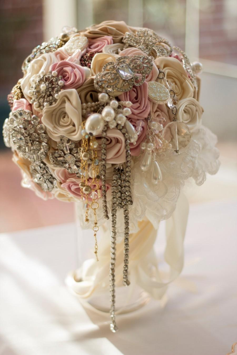 Mariage - Champagne Pink Vintage Brooch Bouquet