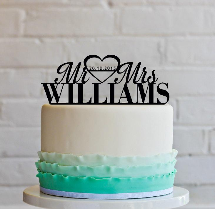 Mariage - Wedding Cake Topper. Mr&Mrs with your last name and date of wedding, (Bold).