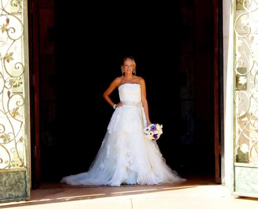 Hochzeit - Gorgeous Custom Wedding Dress Made to Your Measurements