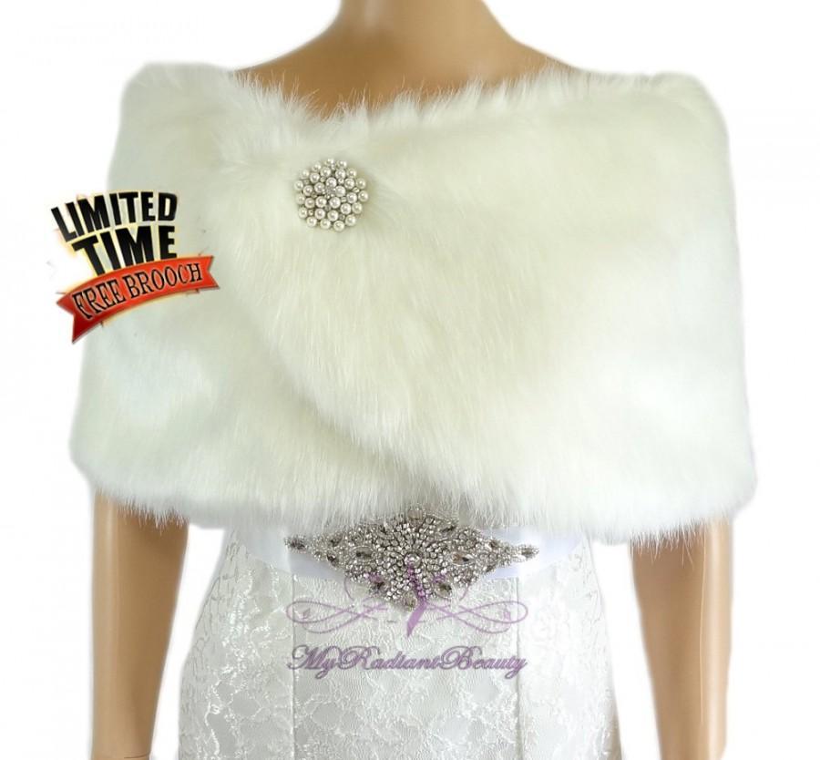 Hochzeit - Faux Fur Shawl, Bridal Ivory Faux Fur Wrap, Faux fur Shrug, Ivory Bridal Fur Stole, Wedding Stole, Bridal Fur Wrap, Faux Fur Stole FW108-IVY