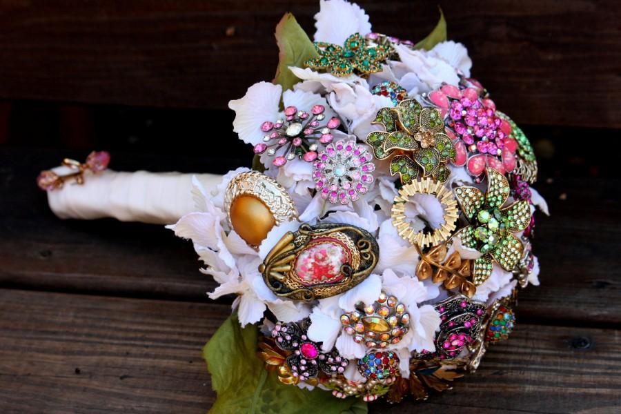 Hochzeit - Brooch Bouquet vintage Wedding bridal bouquet includes FREE toss / bridesmaid bouquet