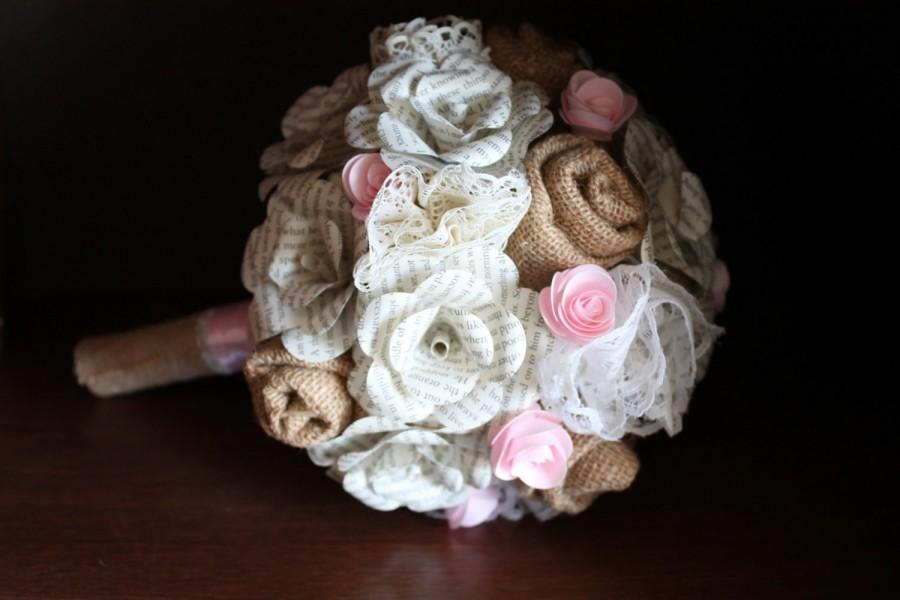 Mariage - Burlap, lace, and book page bridal bouquet