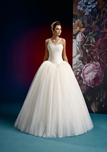 زفاف - Buy Australia 2016 Ball Gown Asymmetic Neckline With Pearls Floor Tulle Wedding Dresses 15006 at AU$212.07 - Dress4Australia.com.au