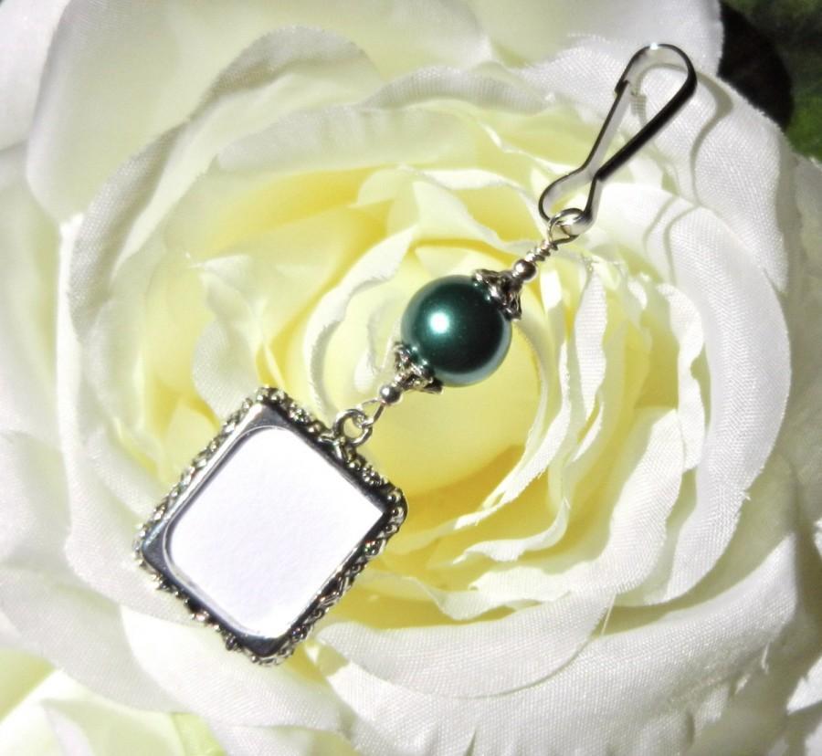 Wedding - Wedding bouquet charm. Photo charm - green pearl Bridal bouquet charm. Gift for the bride. Wedding keepsake. Bridal shower gift. DIY photo.