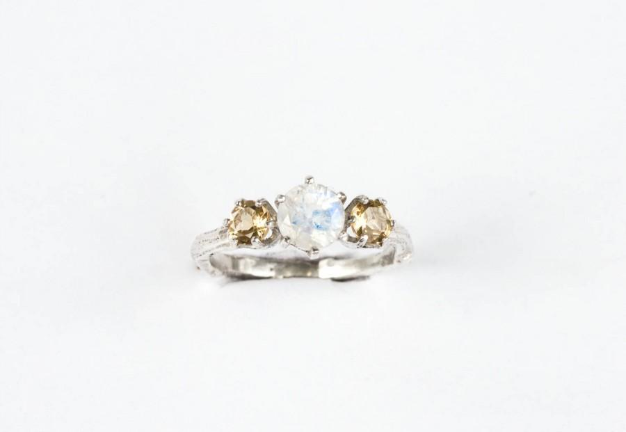 زفاف - Moonstone and citrine twig engagement ring, citrine twig ring, moonstone twig nature ring