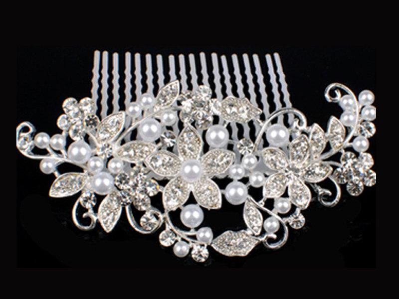 Mariage - Stunning Pearl & Austrian Crystal Hair Comb Silver Plated Bridal Hair Piece Wedding Hair Slide Tiara Vintage Fascinator Brooch Party  - 30S
