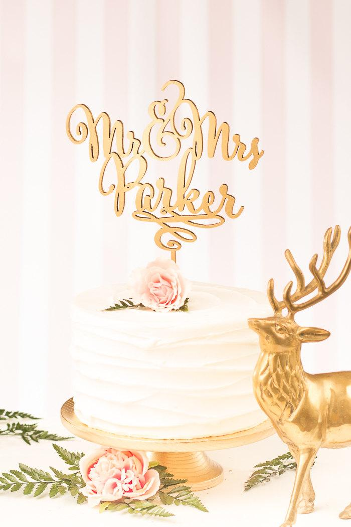 Свадьба - Mr and Mrs Cake Topper - Custom Cake Topper for Wedding Cake - Last Name - Daydream Collection