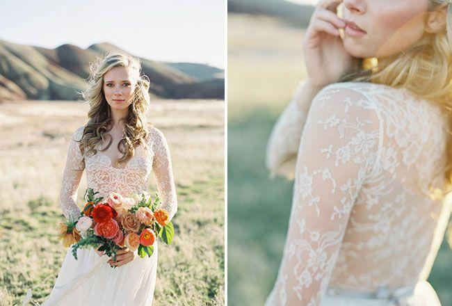 Hochzeit - Emily Riggs Lace Wedding Dresses Captured In The Painted Hills