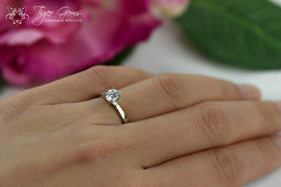 Mariage - 1/2 Carat Classic Solitaire Engagement Ring,  Round Cut, Man Made Diamond Simulant, Wedding Ring, Bridal Ring, Promise Ring, Sterling Silver